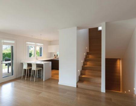 naked oak room 02 timber plank